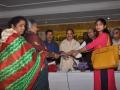 UARDT ద్వారా Rs.5,000 చెక్కును స్వీకరిస్తున్న ఓల్డ్ ఏజ్ హోమ్ నిర్వాహకురాలు శ్రీమతి లక్ష్మిగారు