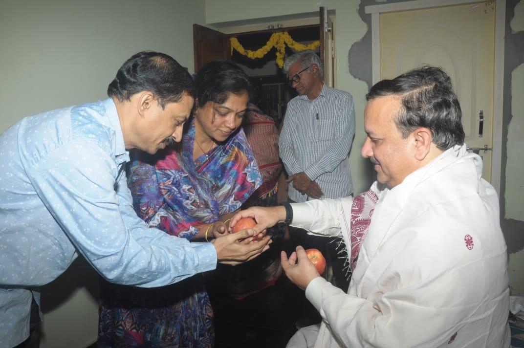 06-DrUmarAlisha-Aaradhana-VegesnaVijayaRamaraju-Bhimavaram-WG-AP-04012020