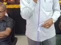 సభా వేదికపైకి అతిథులను ఆహ్వానిస్తున్న జిల్లా కన్వీనర్ శ్రీ అడబాల నాగ వెంకటరత్నం గారు