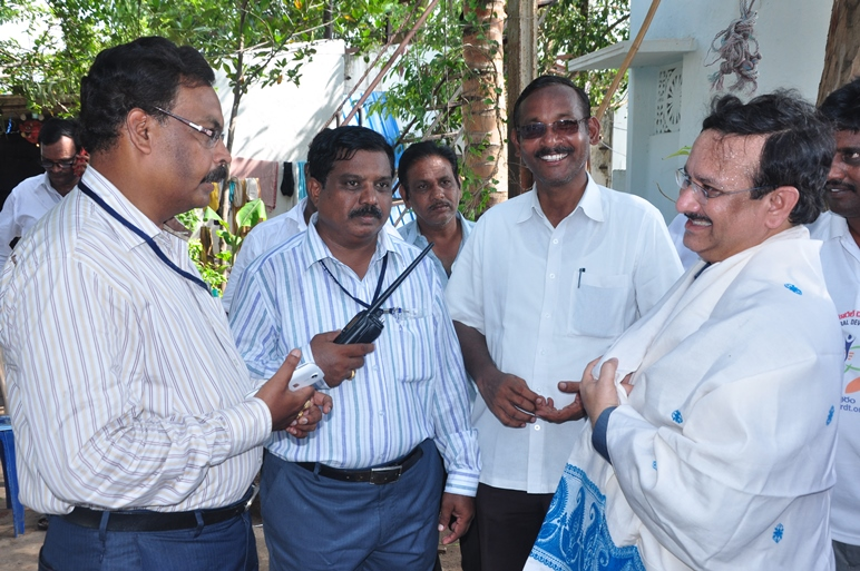Sathguru Dr.Umar Alisha discussing with security in charge  at Subbayamma ghat on 11th day of Godavari Pushkaralu on 24 Jul 2015,