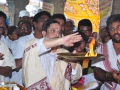 Sathguru Dr.Umar Alisha offering Harathi after special prayer  at VIP ghat ( Saraswathi ghat) , Rajahmundry on 25th day of Godavari Pushkaralu.
