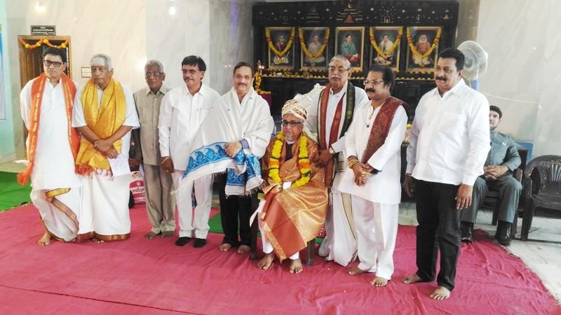 Sathguru Dr. Umar Alisha  in Rajahmundry