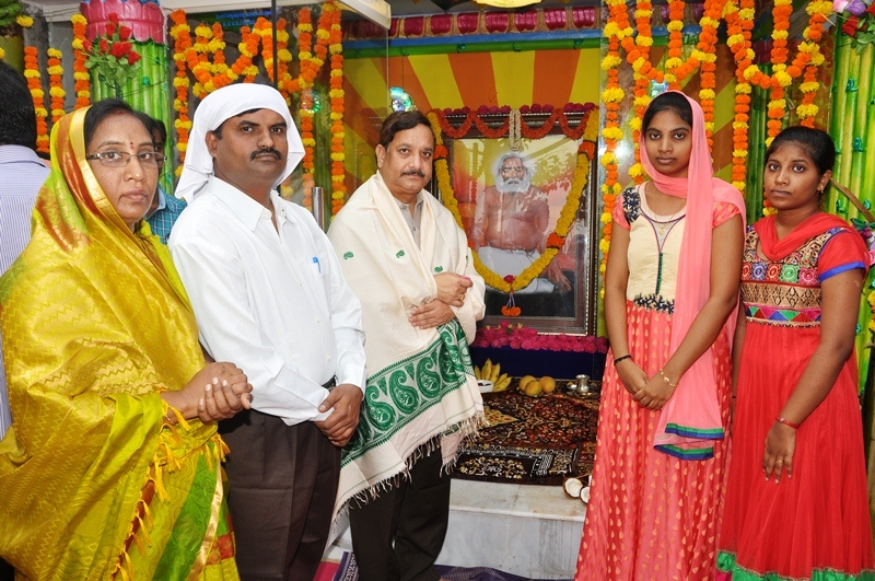 Re construction  of Sri Mohiddin Badsha Satguru varyula Mandiram at Raja Mahendravaram 9-4-2017