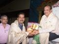 Sathguru Dr.Umar alisha presenting memento to Mr. K.N.Murali Shanakar