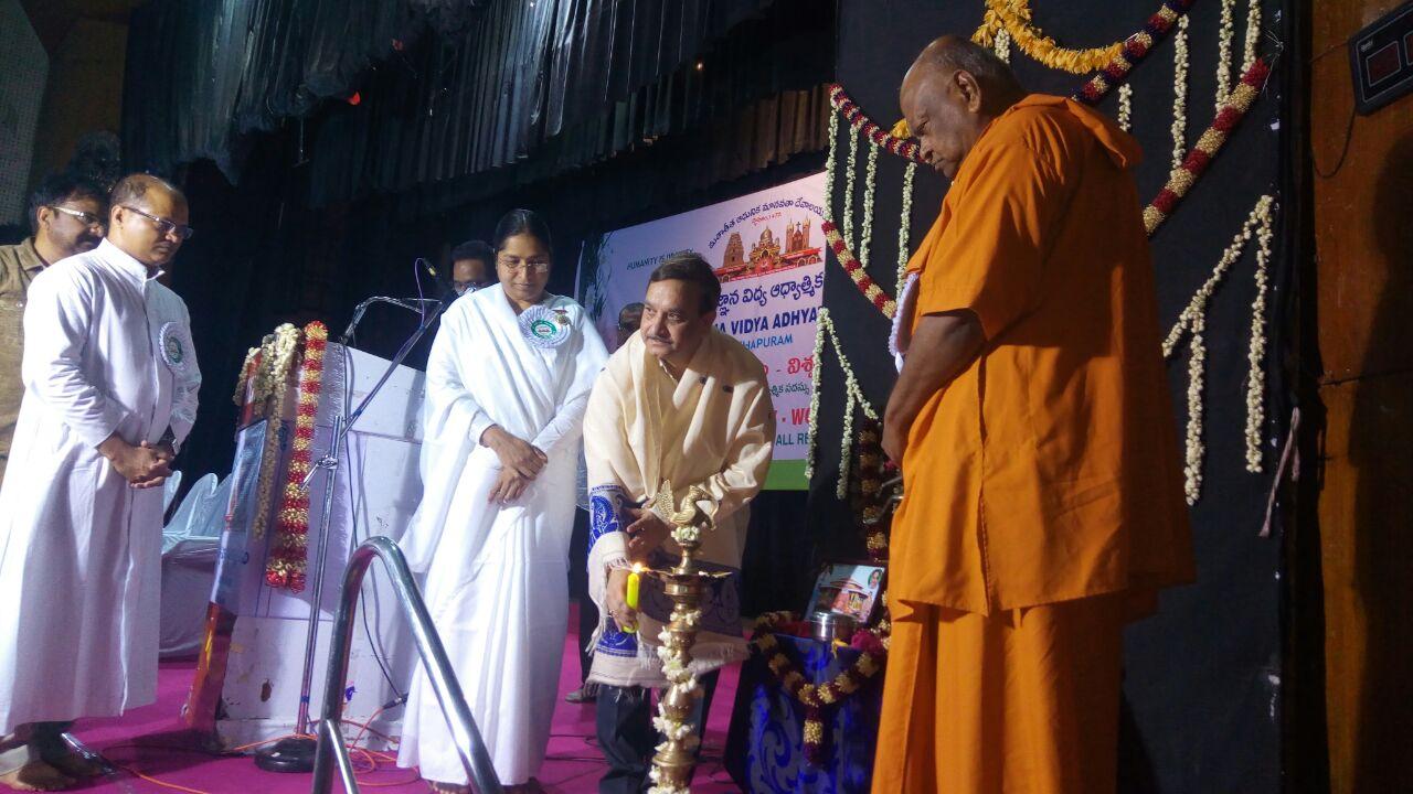 Sathguru Dr.Umar Alisha at Kalabharathi Auditorium, Visakhapatnam on the occasion of Vysakhamasam