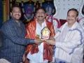 Sathguru presenting Mememto to Nallamili Sesha Reddy (Aditya Group of Educations Chair Person)