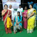 Felicitation-to-speakers-at-Saraswathi-Ghat-Day5-Rajahmundry-SRI-VISWA-VIZNANA-VIDYA-AADHYATMIKA-PEETHAM