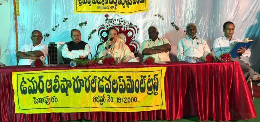 Sathguru-Dr.Umar-Alisha-at-Kakinada-Sabha-in-Vysakhamasam-2017-tour