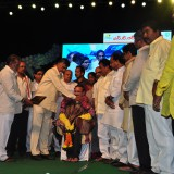 Felicitation-by-AP-CM-in-Kakinada-Beach-Festival-2016