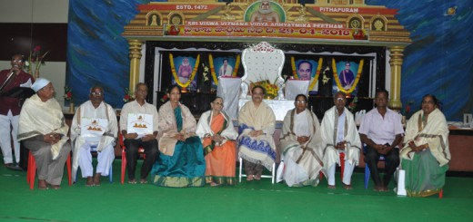 Felicitation-by-Sathguru-Dr.Umar-Alisha-to-senior-disciples-for-their-services